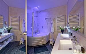 Hotel Metropolitan_business suite_bathroom